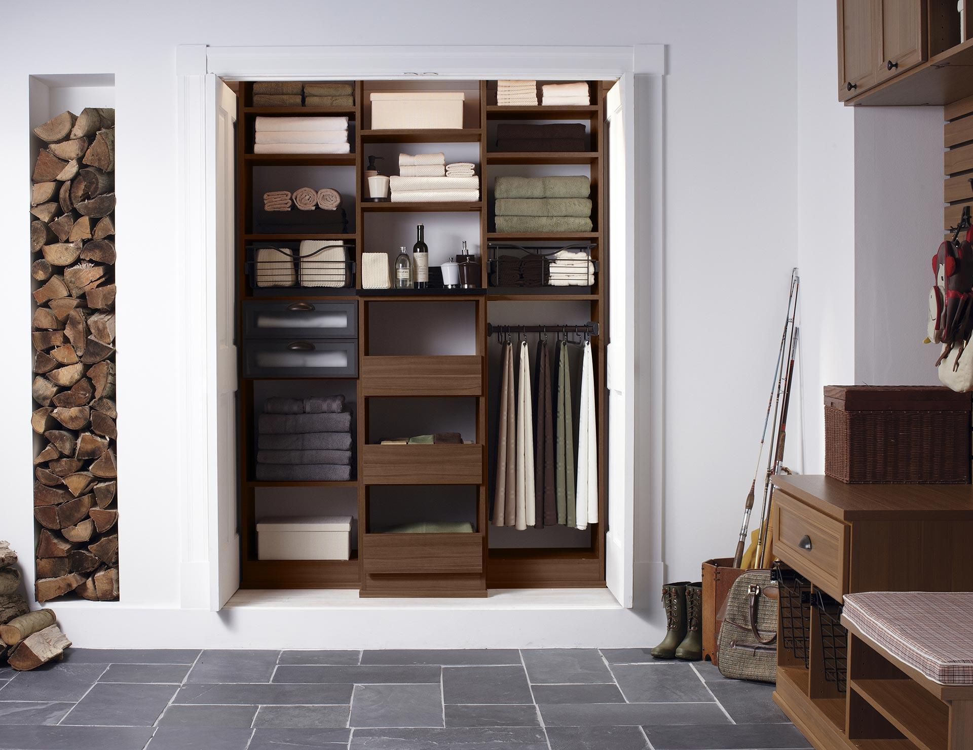 Exceptionnel BECKER ENTRYWAY CLOSET