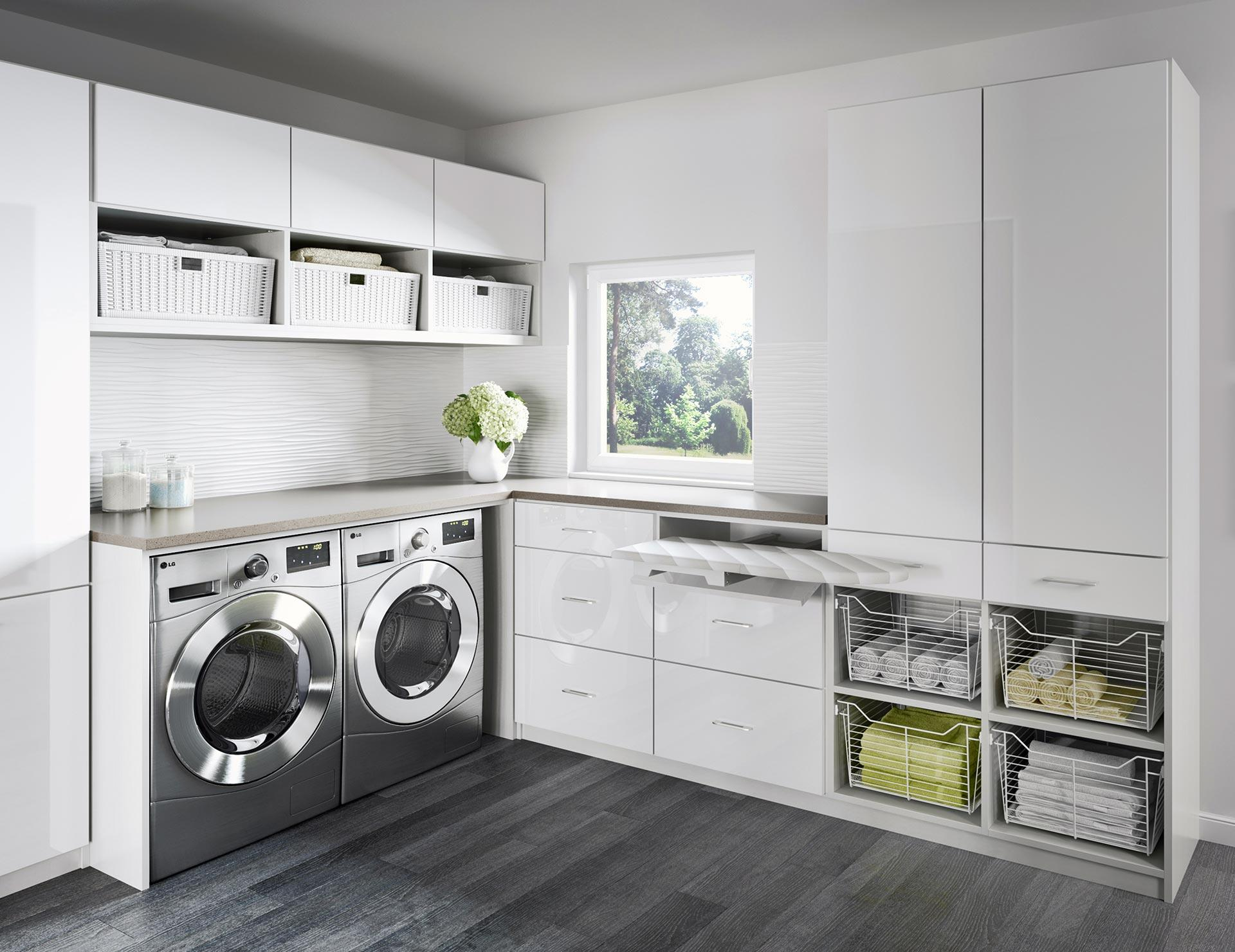 Merveilleux Newport Laundry Room With White Cabinets