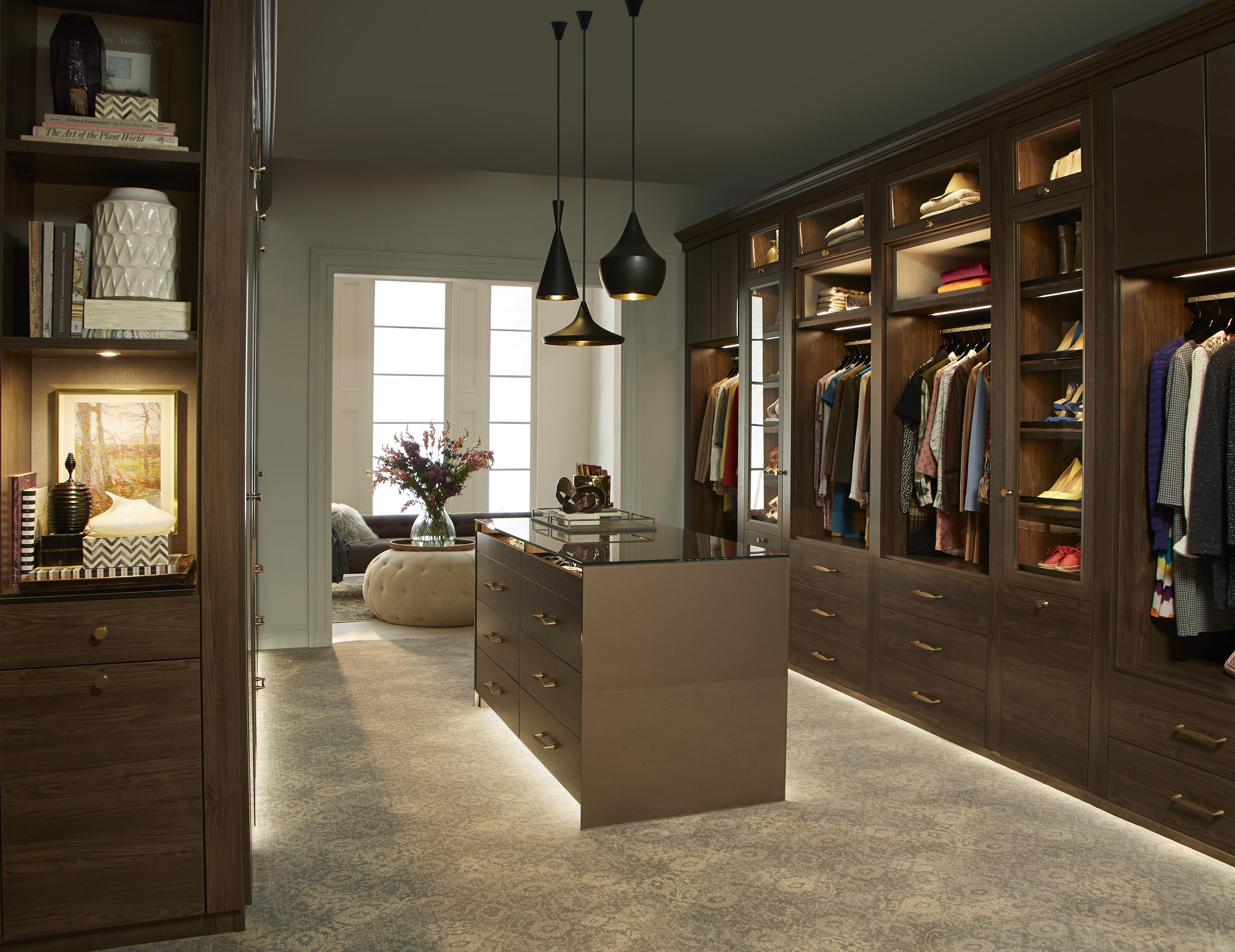 Walk in closets designs ideas by california closets for Designer walk in closets