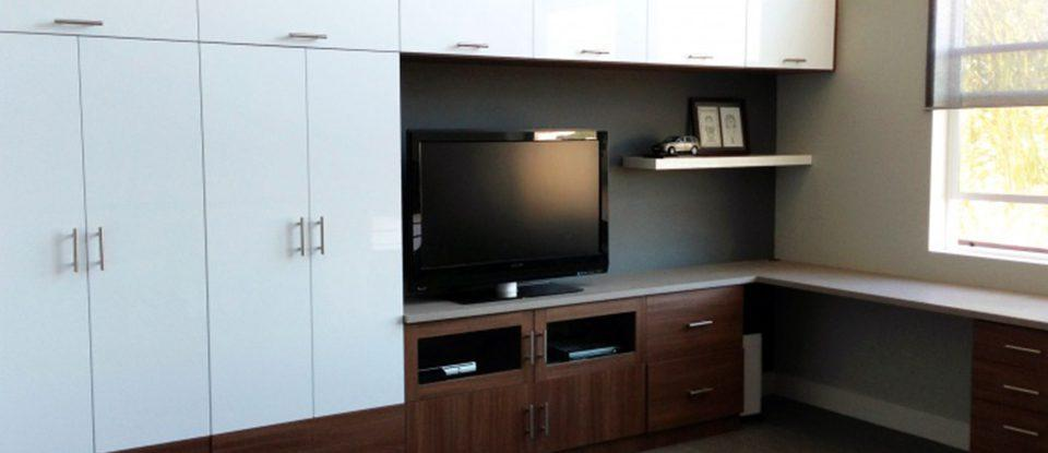 Part Work and Part Play: Design Idea for Home Office & Entertainment Center in One Space